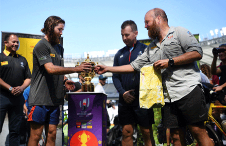Two rugby fans cycle 22,000 km for the Rugby World Cup